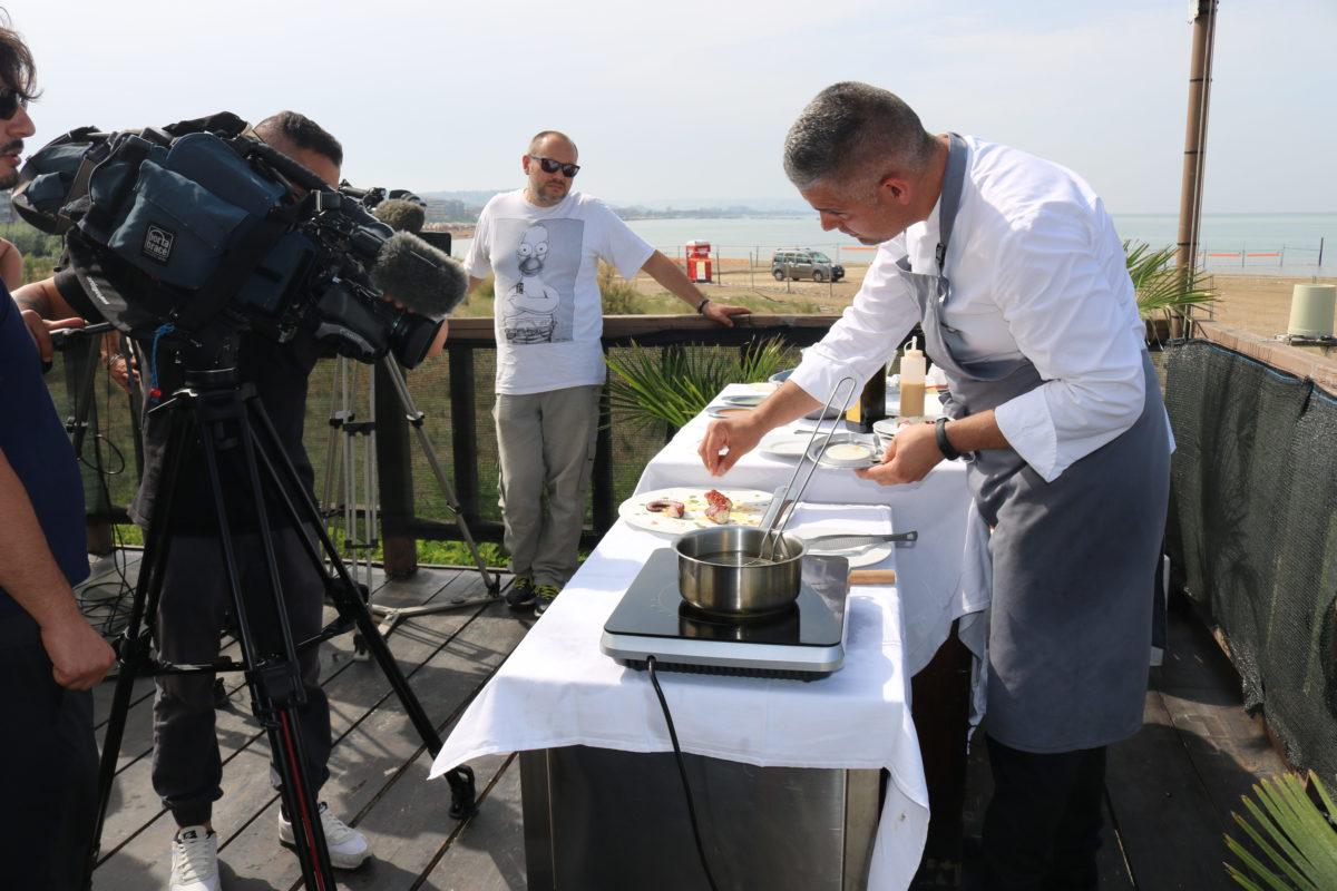 cuoco e telecamere linea verde
